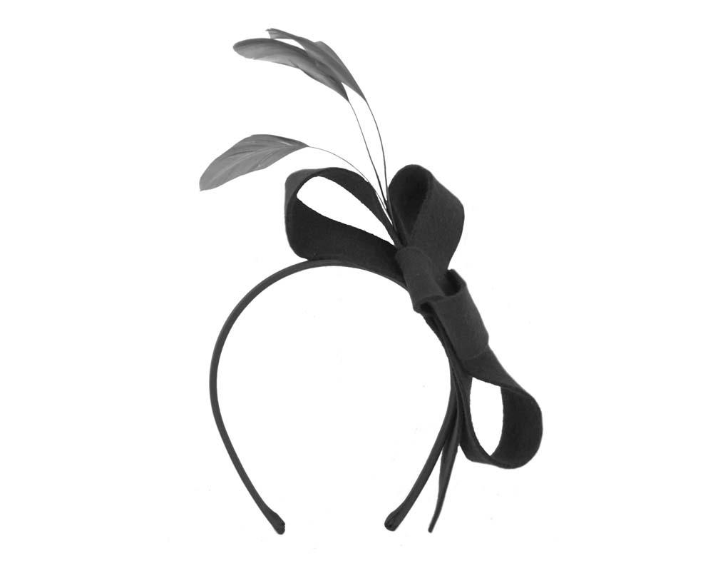 Black felt bow winter racing fascinator