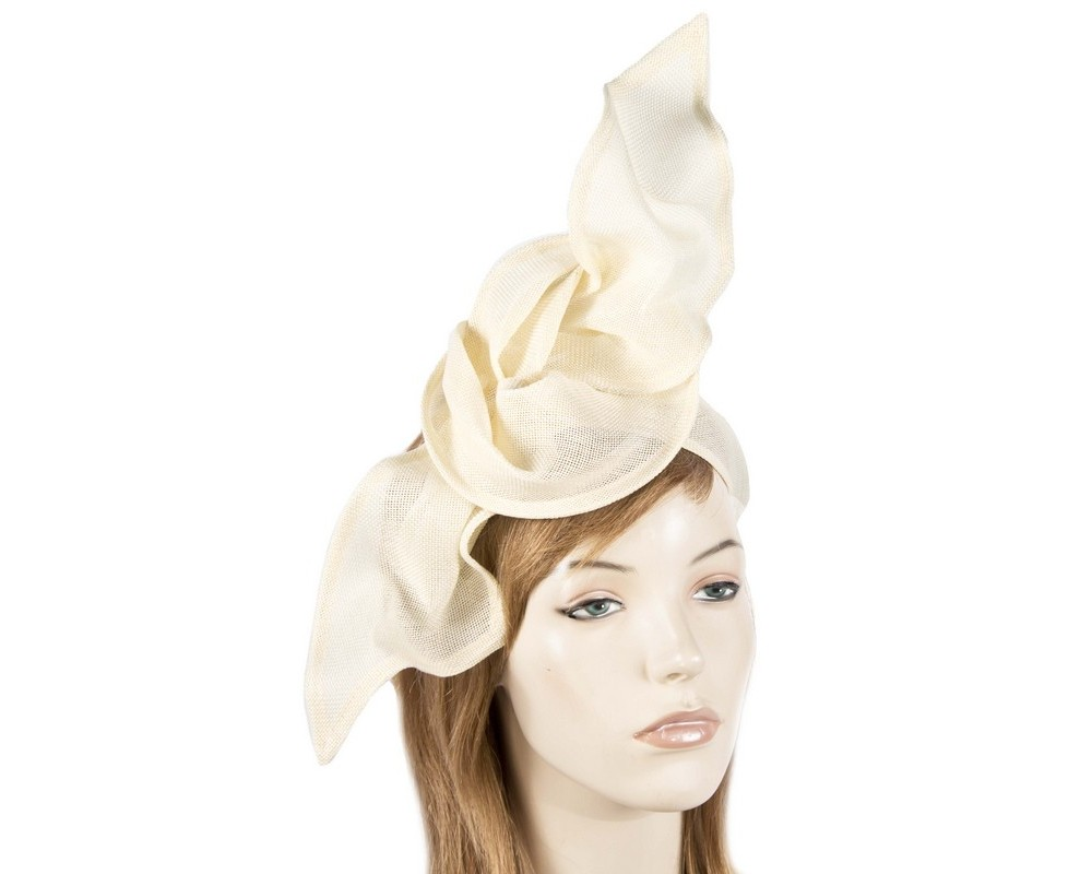 Cream linen constructed fascinator