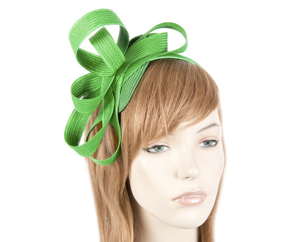 Green loops on the headband